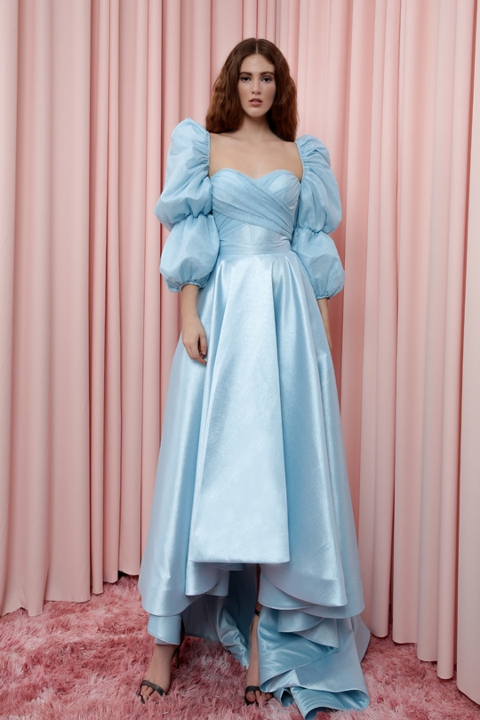 BALLOON SLEEVES SHORT FRONT DRESS WITH TAIL IN THE BACK
