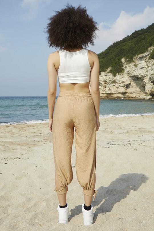 Bilekten Bağlamalı Yırtmaçlı Pantolon-KREM