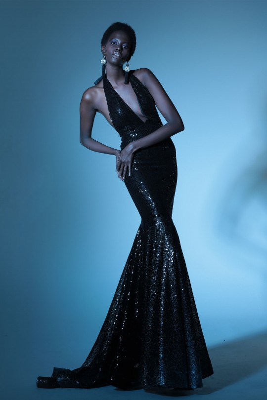 FISH LONG DRESS WITH DEEP BACK AND DECOLUTION
