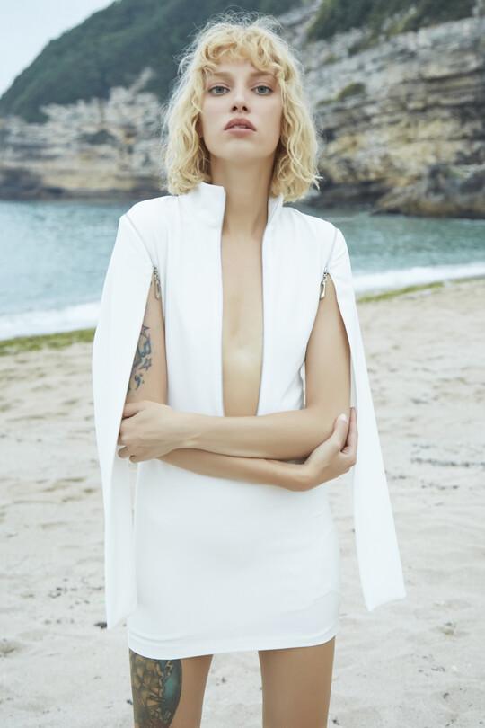 Göğsü ve Kolu fermuarlı Mini Elbise-BEYAZ