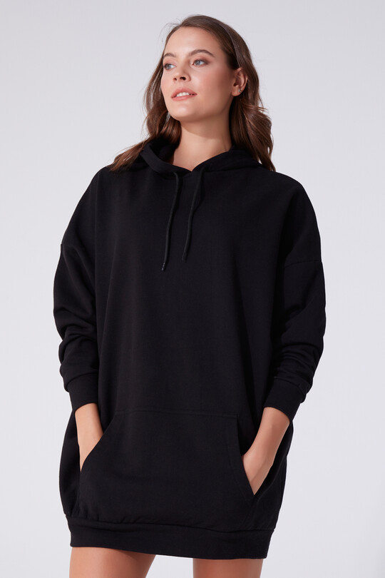 HOODED DRESS WITH FRONT POCKETS