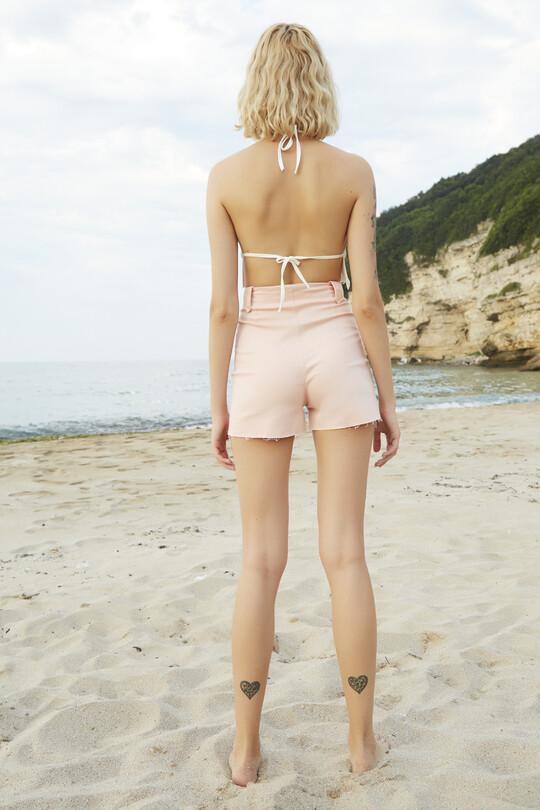 Lacing detailed Lycra denim shorts-powder