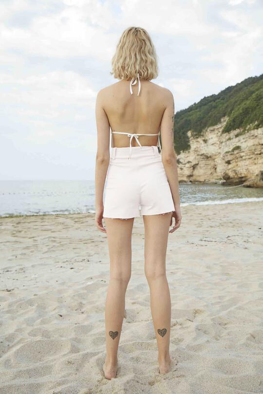 Lacing detailed Lycra denim shorts-white