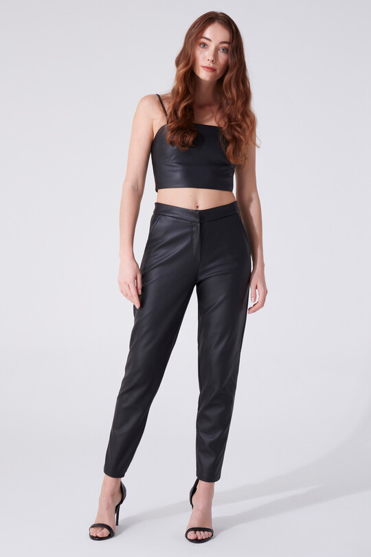 LEATHER CIGARETTE TROUSERS