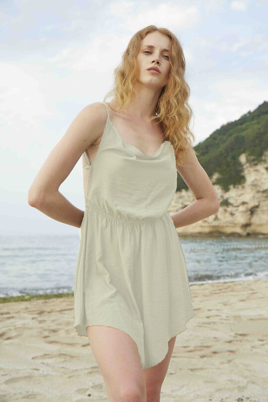 BERFUĞ KIRAN - Mini dress with low-cut waist rubber-cream