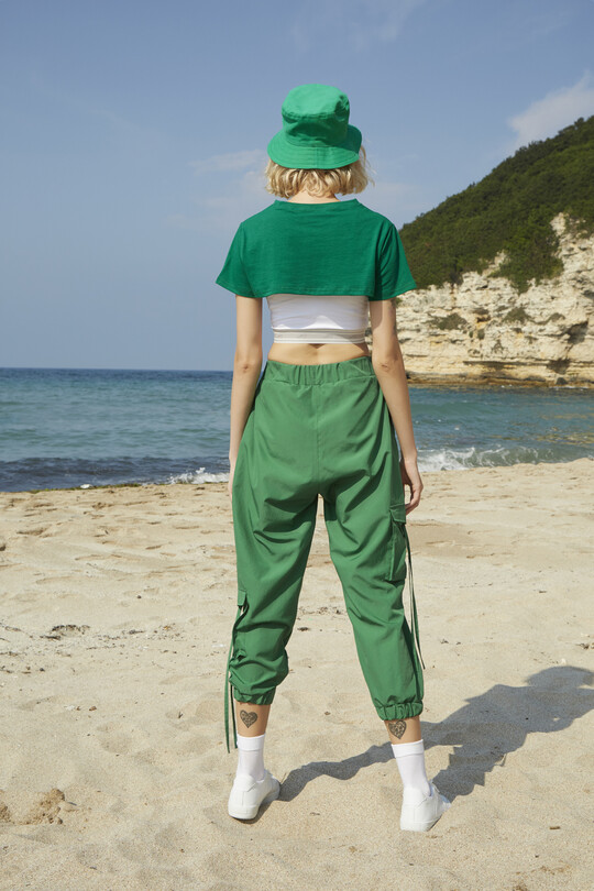 Parachute sweatpants with cargo pockets-green