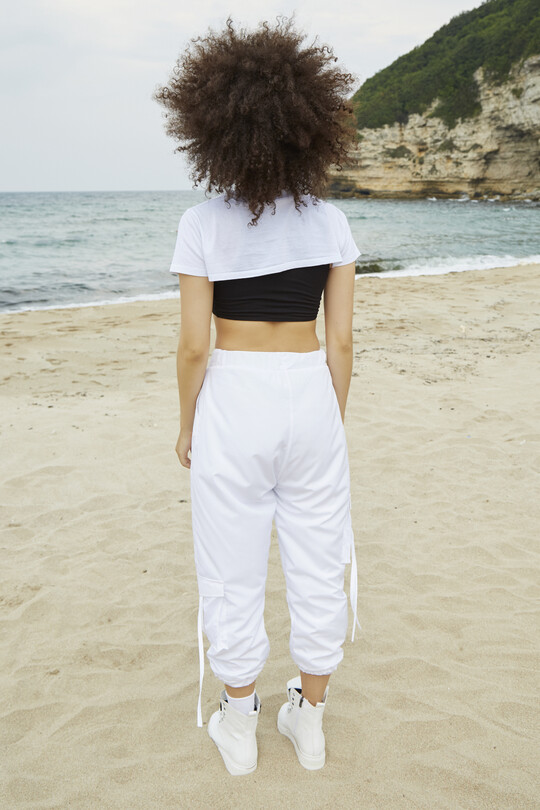 Parachute sweatpants with cargo pockets-white