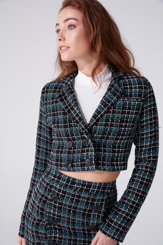 SHORT JACKET WITH BREAKER COLLAR