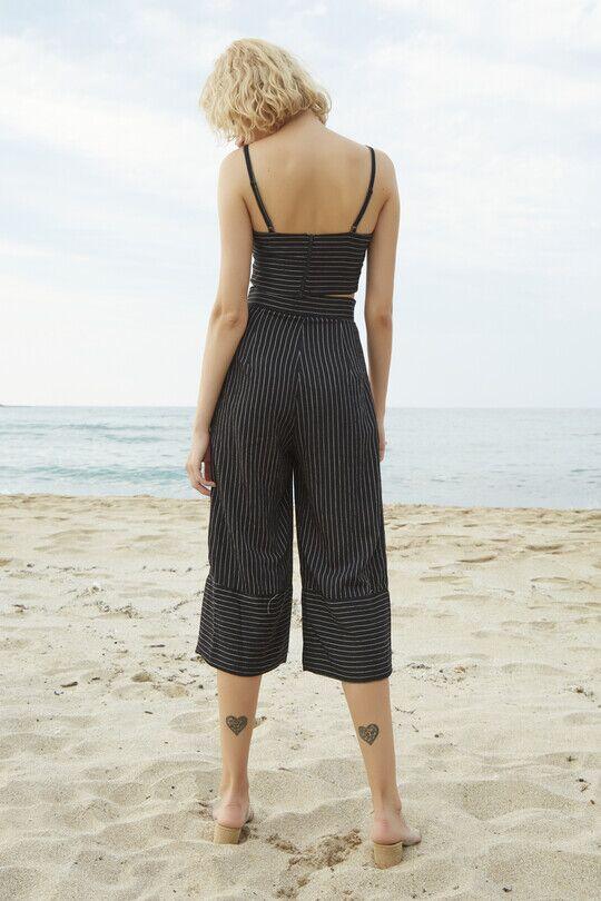 Berfuğ Kıran - Short Leg Wide Cut Trousers-BLACK (1)