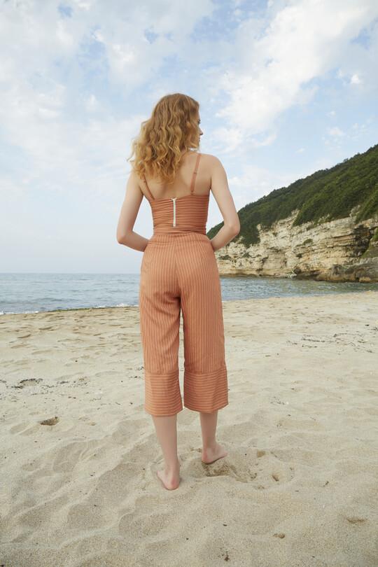 Berfuğ Kıran - Short Leg Wide Cut Trousers-TILE (1)
