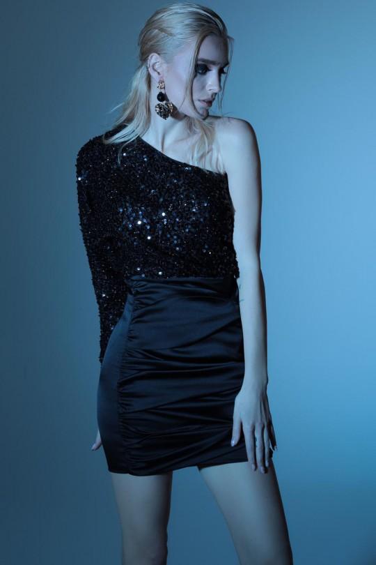 Six Satin Top Sequin Short Sleeve Short Dress
