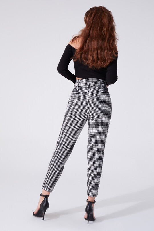 SWEATER HIGH WAIST CARROT TROUSERS WITH BELTED WAIST